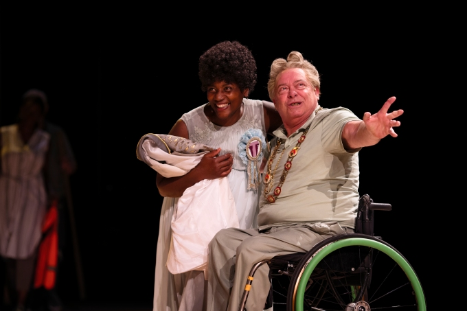 NT PUBLIC ACTS Garry Robson as Cleon (r) with cast member in Pericles at National Theatre (c) James Bellorini 16